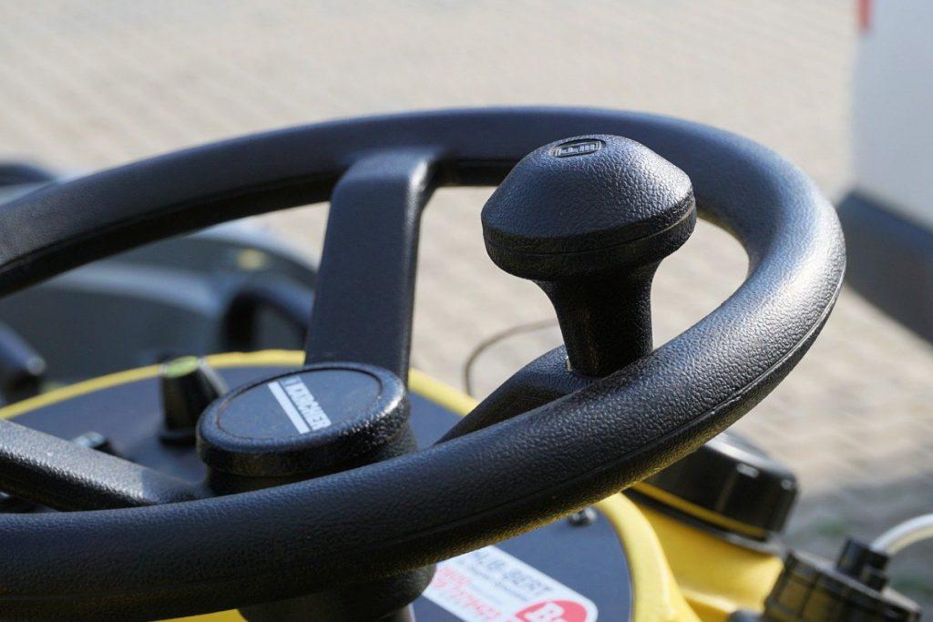 steering wheel, handlebars, steering